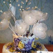 Букет белых роз (поделка из пластика)