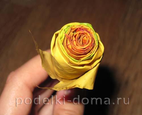 rozy iz listyev svoimi rukami5