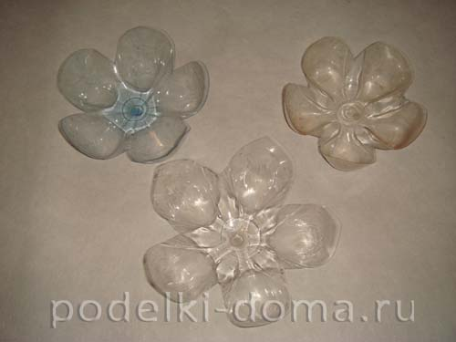 elochnye igrushki iz plastikovyh butylok 26