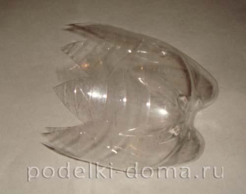 elochnye igrushki iz plastikovyh butylok 29