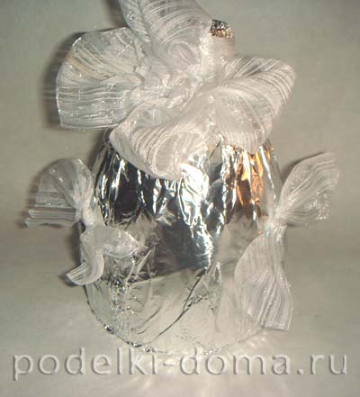 elochnye igrushki iz plastikovyh butylok 6