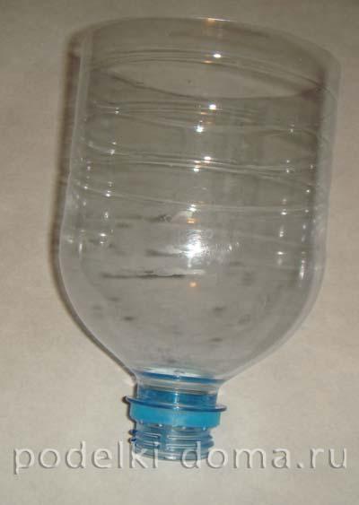 elochnye igrushki iz plastikovyh butylok 7