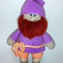 Мягкая игрушка «Гномик» (вязание крючком)