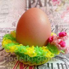 Подставка для яйца (плетение из резиночек)