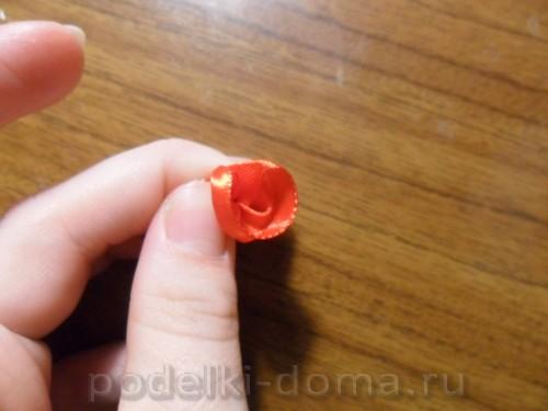 zakolka roza iz atlasnoy lenty07