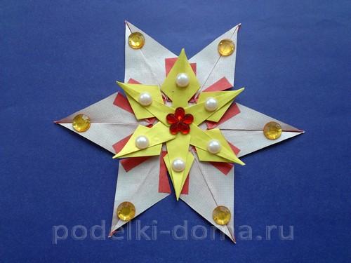 Рождественская звезда из бумаги