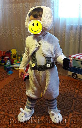 вязаный костюм зайчика