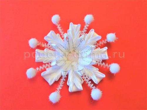 Украшение на голову - снежинки из лент и фоамирана