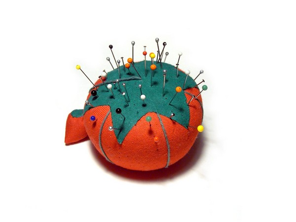 pincushion-1474073 Как сделать игольницу своими руками: идеи и мастер-классы