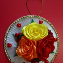 Панно из лент «Розы» (канзаши)