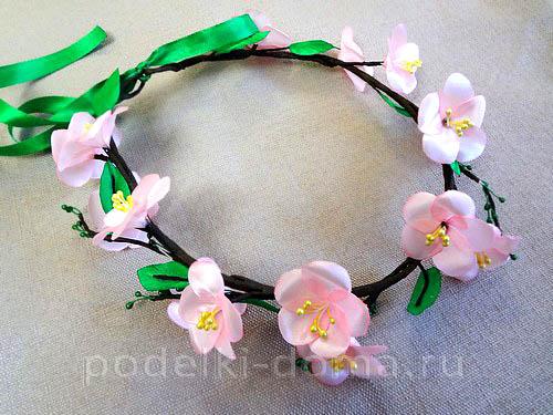 venok na golovu yablonevy cvet11