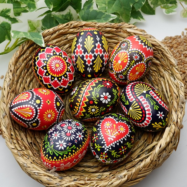 sorbian-easter-eggs-3149029_640