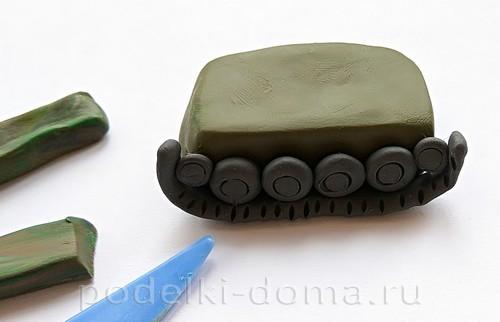 танк из пластилина 05