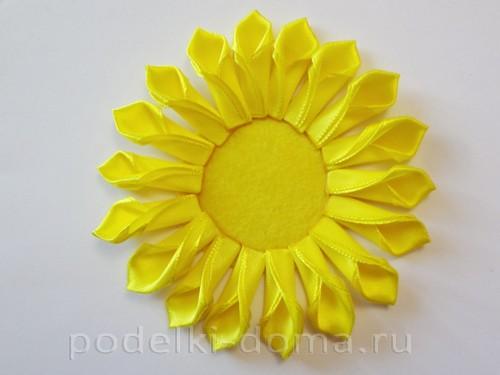 tsvetyi-iz-lent-na-korzinku04 Корзины канзаши с цветами из атласных лент