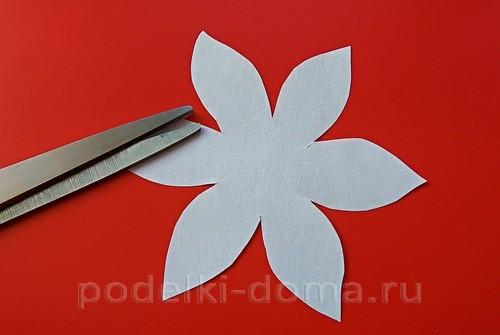 Цветы из бумаги своими руками - больше 70 вариантов