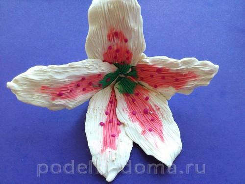 лилия из пластилина07
