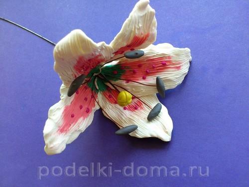 лилия из пластилина09