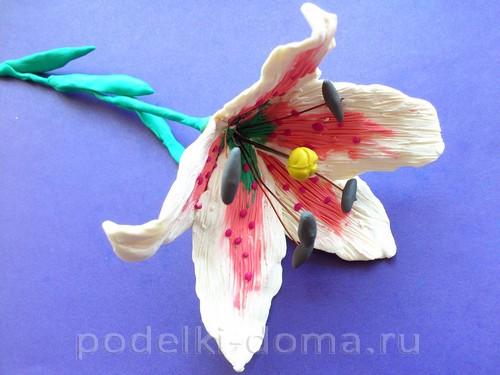 лилия из пластилина11