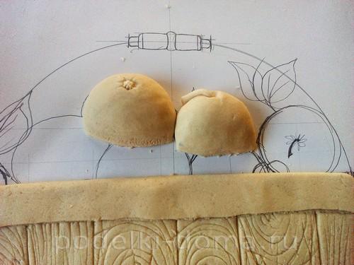 Картина из соленого теста Ведро яблок