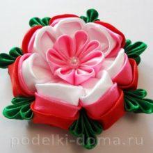 Фантазийный цветок — резинка для волос в технике канзаши
