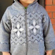 Как перешить взрослый свитер в детский кардиган