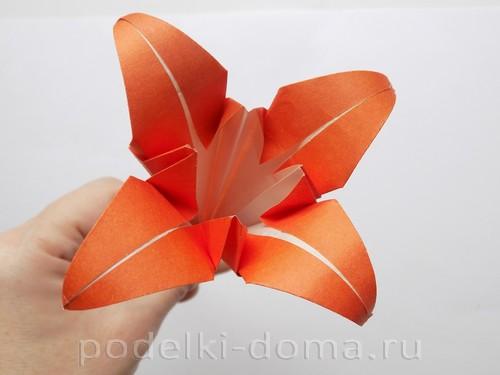 лилия из бумаги оригами 24