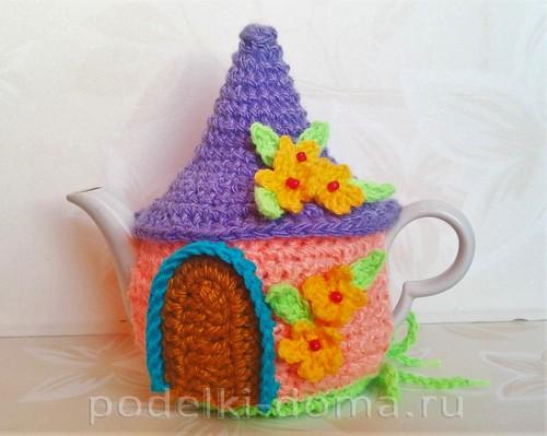 вязаная грелка на чайник домик 11
