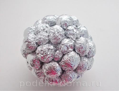 гиря из конфет 06