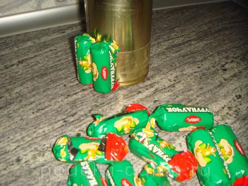 кружка из конфет 05