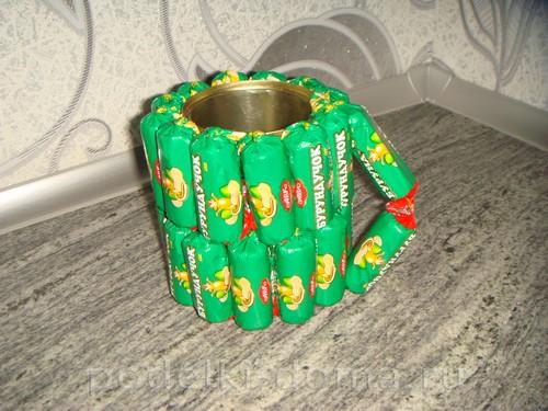 кружка из конфет 08