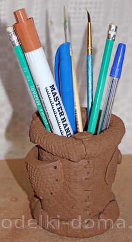 карандашница из глины