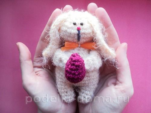 пасхальный кролик вязаный крючком11