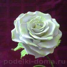 Интерьерная роза из фоамирана