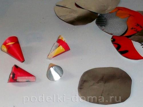 бумажная ракета из бумаги и втулок 09
