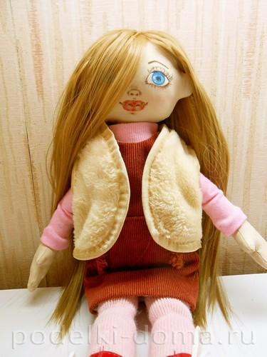 Шьем жилет для куклы своими руками. Мастер-класс   podelki-doma.ru c5389e92aa6