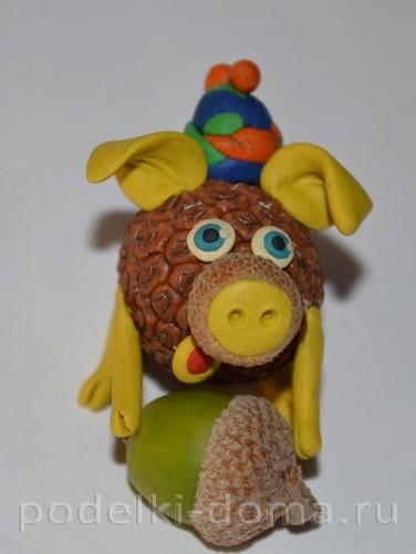 Поделки из шишек и пластилина: свинка, рыбки, филин, русалка