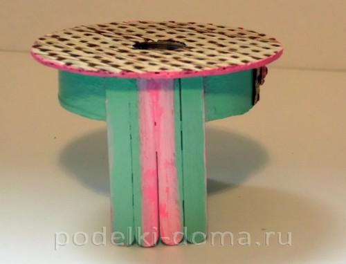 Кукольная мебель: столик и кресло