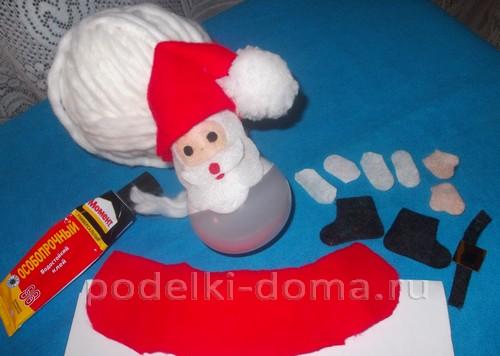 Дед Мороз в своей волшебной колеснице