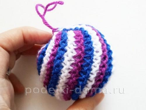 Вязаные елочные шарики (спицами)