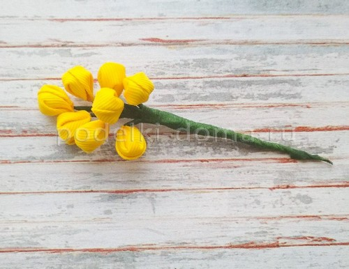 Весенние цветочки из лент