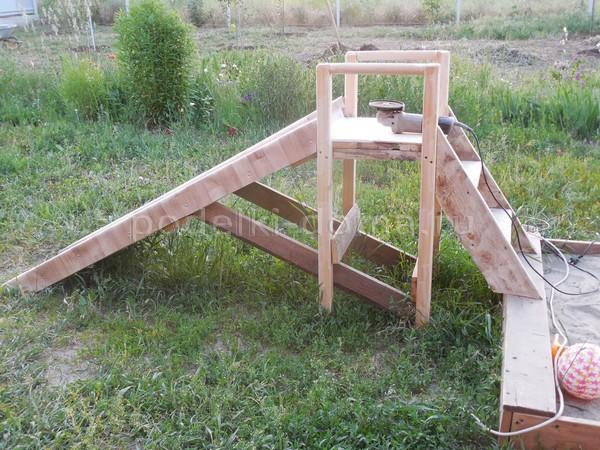 Детская горка и мебель из паллет (деревянных поддонов)