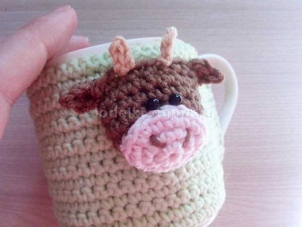 Подарки к году быка: грелки на кружку, чайник и прихватка