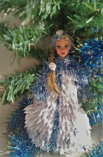 «Снегурочка». Платье из атласных лент для куклы Барби своими руками