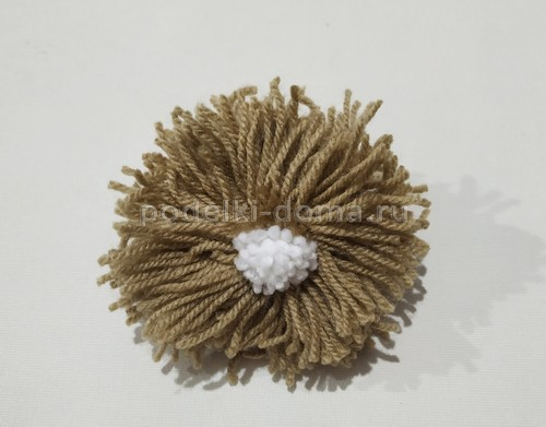 Игрушки из помпонов