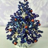 Синие елочки: из бисера и из бумаги