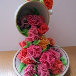 Подарок ветерану. Цветы гвоздики из холодного фарфора