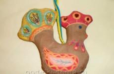 Кофейная игрушка в народном стиле «Петушок»