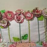 Декоративная подушка «Цветы»