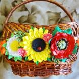 Украшение на корзинку — цветы в технике канзаши