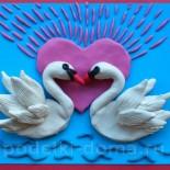 Валентинка «Лебеди» (аппликация из пластилина)